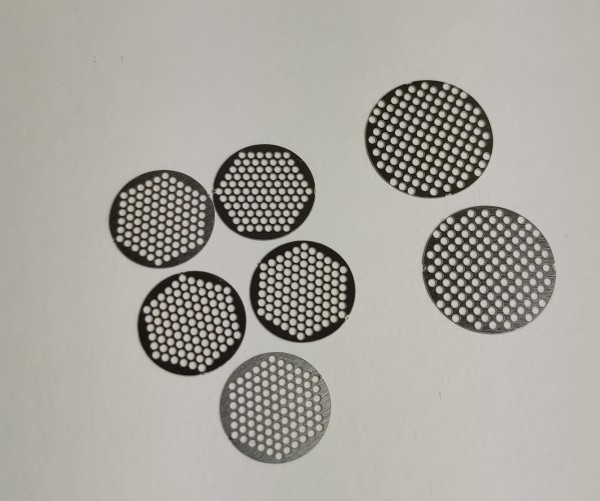 Stainless steel replacement filters for the Graveda Medic+ product.